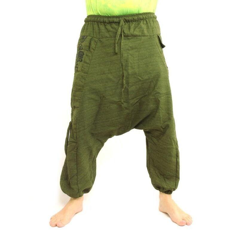 Pantalones harén con diseño floral y símbolos espirituales en el bolsillo lateral - verde oliva