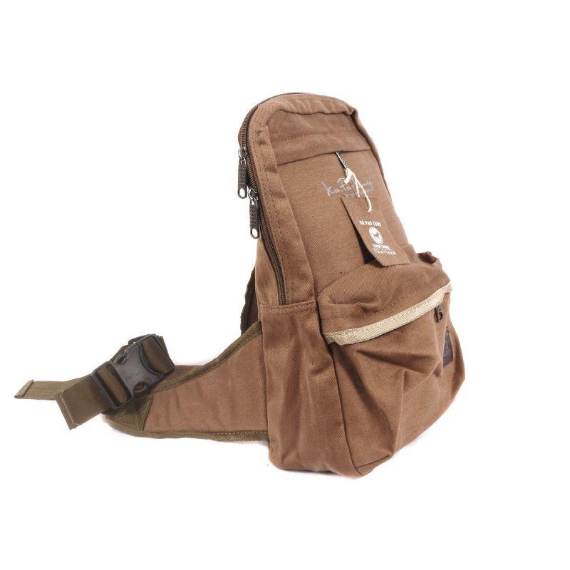 Ka Pao Tung beige shoulder bag-