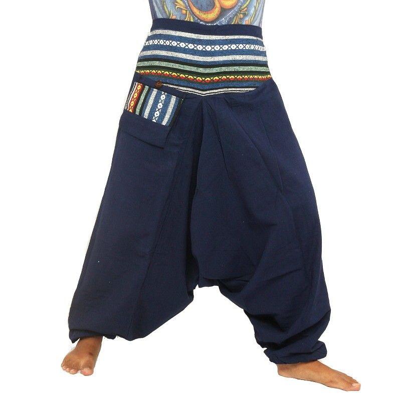 Aladinhose blau mit bestickter Borte