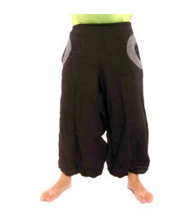 Pantalón Aladdin negro con 2 bolsillos laterales.