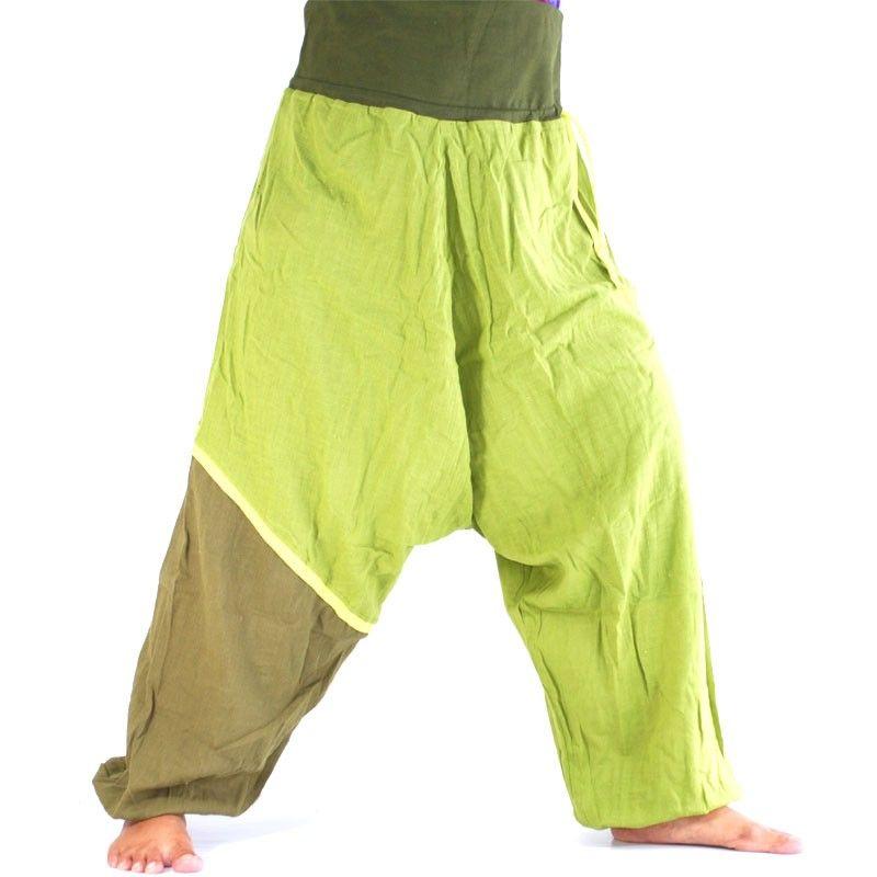 Aladinhose - grün, oliv grüner farbiger Absatz am Bein