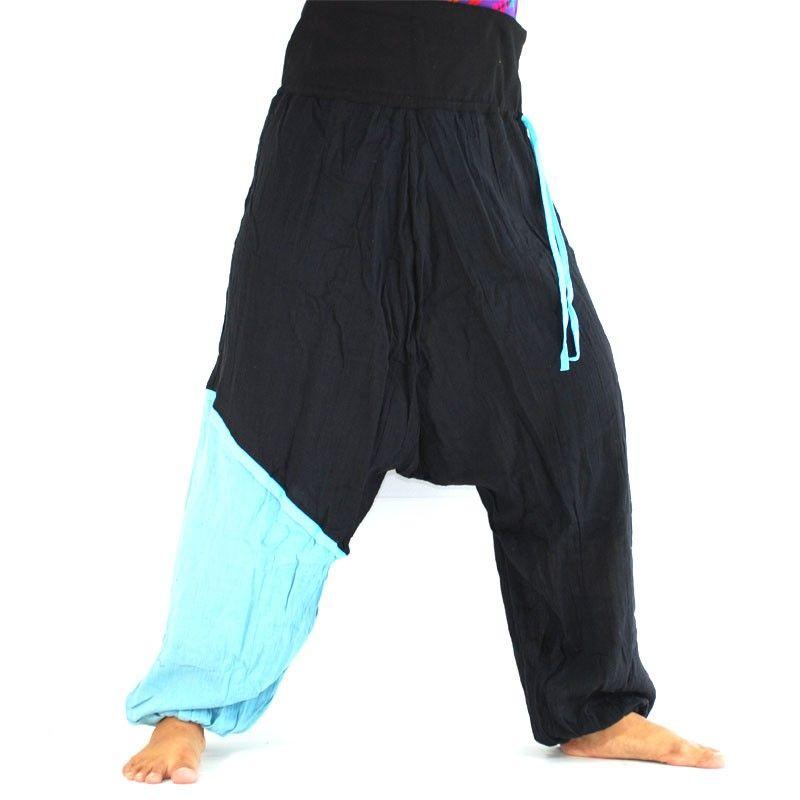 Aladinhose - schwarz, hellblauer farbiger Absatz am Bein
