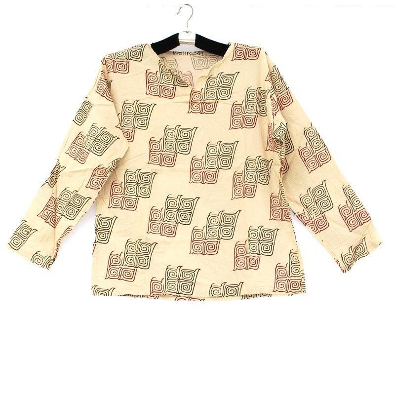 Camisa de algodón con adornos tradicionales tailandeses