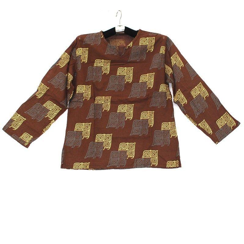 Baumwollhemd mit traditionellen thailändischen Ornamenten